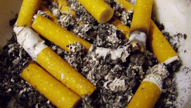 Casi 10 millones de fumadores intentan dejarlo sin conseguirlo (FLICK/AMPUEROJOSE).
