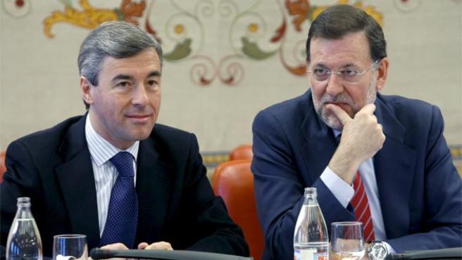 Ángel Acebes y Mariano Rajoy, en una foto de archivo (Foto: EFE).