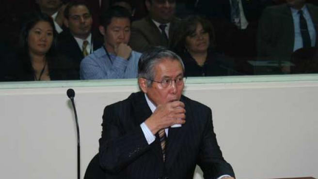 El ex presidente peruano Alberto Fujimori, durante el juicio. (EFE).
