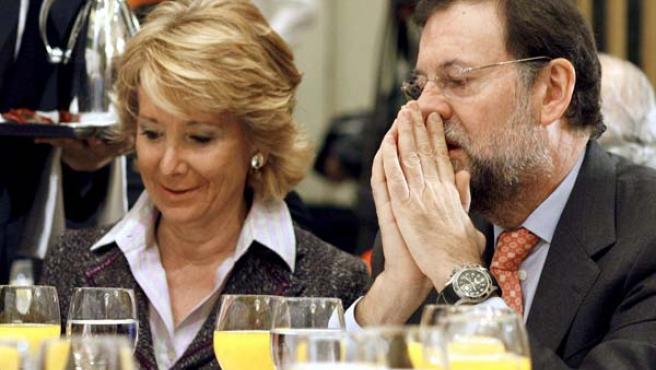 Mariano Rajoy y Esperanza Aguirre en un acto celebrado en Madrid. (EFE)