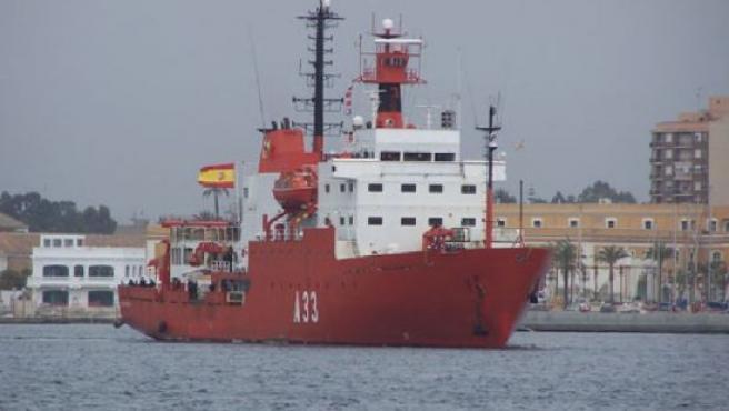 El BIO Hespérides regresó ayer a su base de Cartagena tras 179 días de navegación en los dos polos