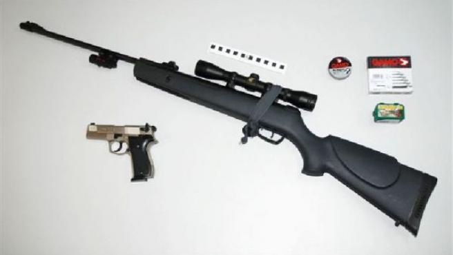 El arma que presuntamente utilizó el ahora detenido.