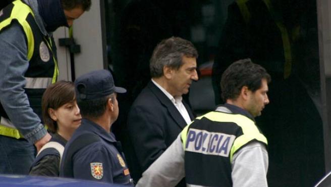 El jefe de la Policía de Coslada, Ginés Jiménez, al salir de comisaría.
