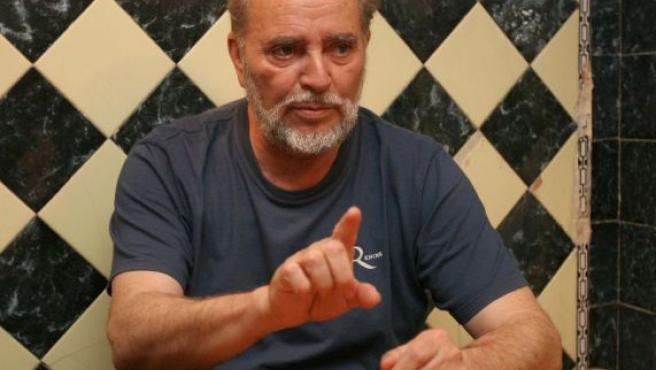 Julio Anguita, en un momento de la entrevista. (JORGE PARÍS)