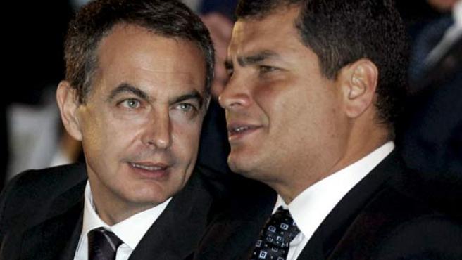 Fotografía de archivo de Zapatero y Correa. (EFE).