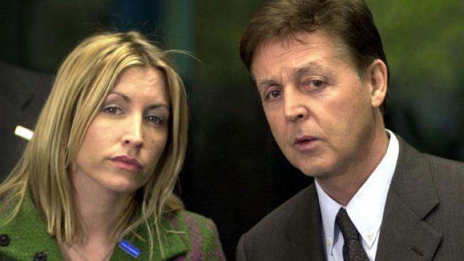 McCartney y Heather Mills en abril de 2001(KORPA).