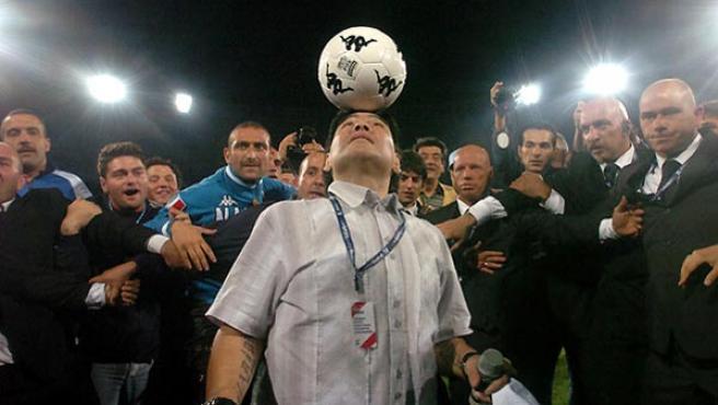 Maradona, una leyenda viva del fútbol.