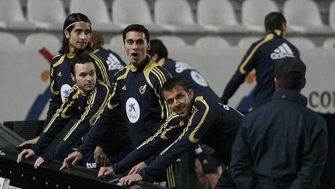 Los jugadores de la selección española, durante un entrenamiento. (Efe)