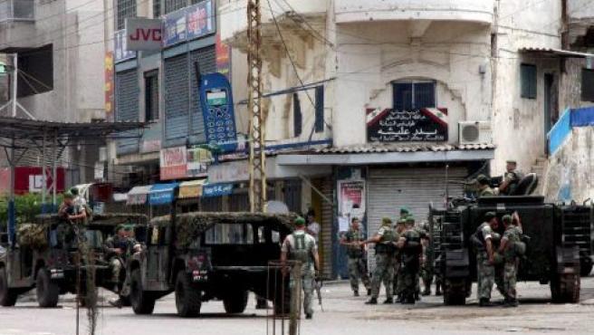Soldados libaneses desplegados en Bab al Tabbneh en la ciudad de Trípoli, en el norte del Líbano.