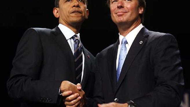 Barack Obama recibe el apoyo de John Edwards. (Jeff Haynes / Reuters).