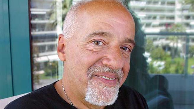 El escritor brasileño Paulo Coelho.