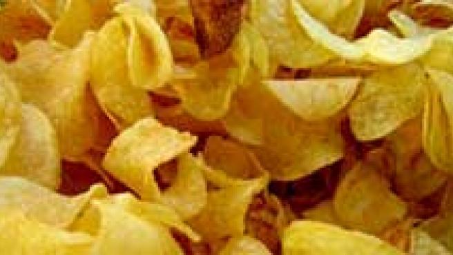 Varios alimentos que contienen grasas saturadas. (ARCHIVO)