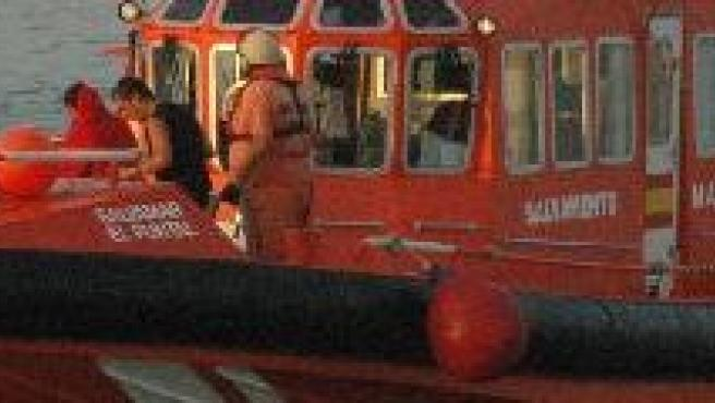 Imagen de una lacha de Salvamento marítimo de ceuta. (ARCHIVO)