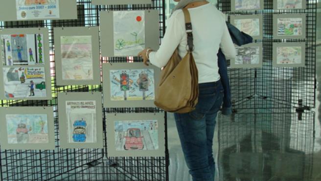 Los dibujos estarán expuestos hasta el próximo viernes en el pasillo entre el Ayuntamiento y el TAS.