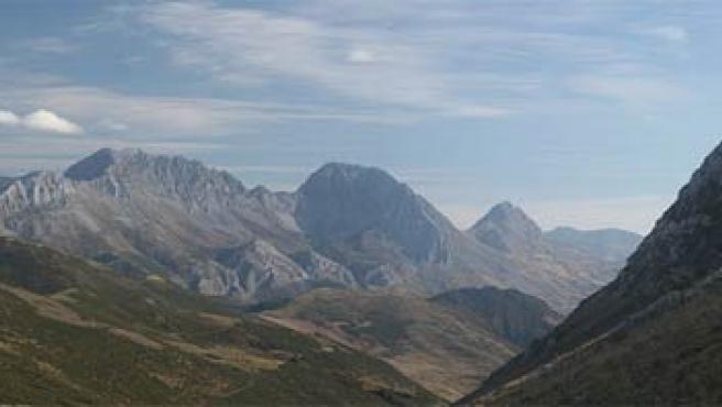 'Estás en Babia', es decir, en la comarca leonesa a la que los monarcas se retiraban a descansar en la Edad Media. (WIKIPEDIA).