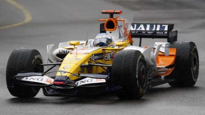 El R-28 de Fernando Alonso, en acción (REUTERS).
