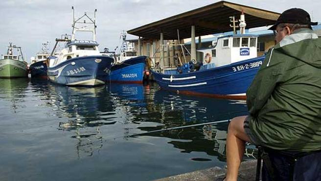 Flota amarrada en el puerto de Roses (Girona), el pasado domingo en protesta por la subida de los carburantes.