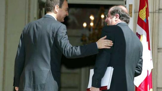 El presidente del Gobierno junto al presidente de la Junta.