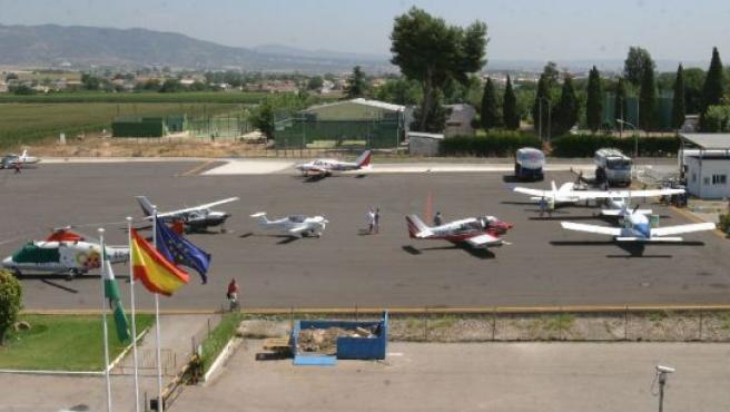 El proyecto de ampliación del aeropuerto acumula retrasos.