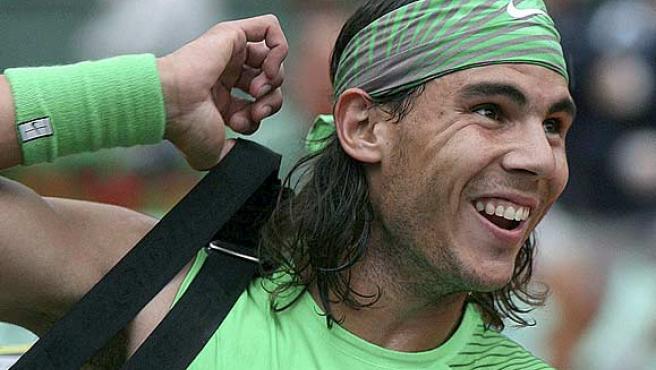 Rafa Nadal sonríe pese al mal tiempo en Roland Garros. (Efe)