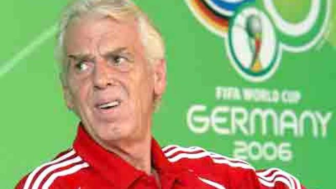 El holandés Leo Beenhakker como entrenador de la selección de Polonia.
