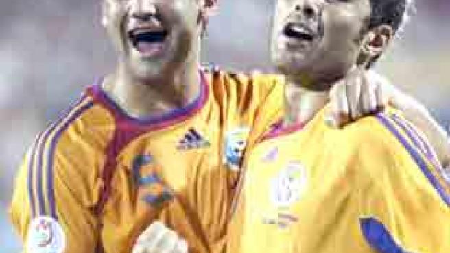 El central Chivu y el delantero Mutu son las grandes figuras de Rumanía.