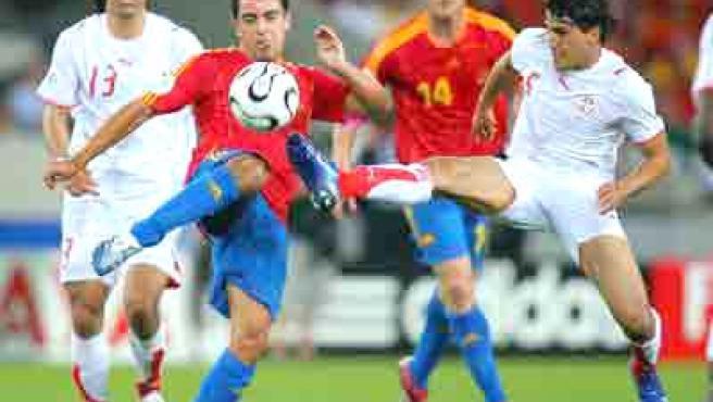 Xavi es una pieza clave en el once de Luis Aragonés