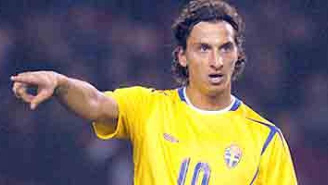 Zlatan Ibrahimovic es la principal referencia en el ataque de Suecia.