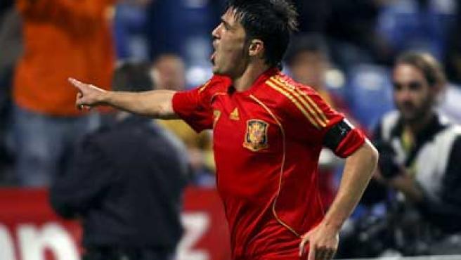 David Villa marcó un gol ante Perú reivindicando su titularidad.