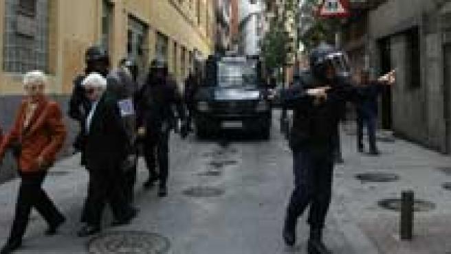 Efectos de los disturbios entre un grupo de manifestantes de extrema izquierda y la policía. (FOTO: JORGE PARÍS)