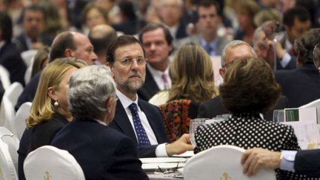 El presidente del PP, Mariano Rajoy, durante la cena del 50 aniversario del Círculo de Economía.(XAVIER BERTRAL / EFE).