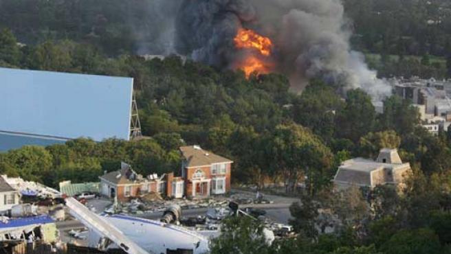 El incendio ha calcinado dos escenarios de los famosos estudios hollywoodienses