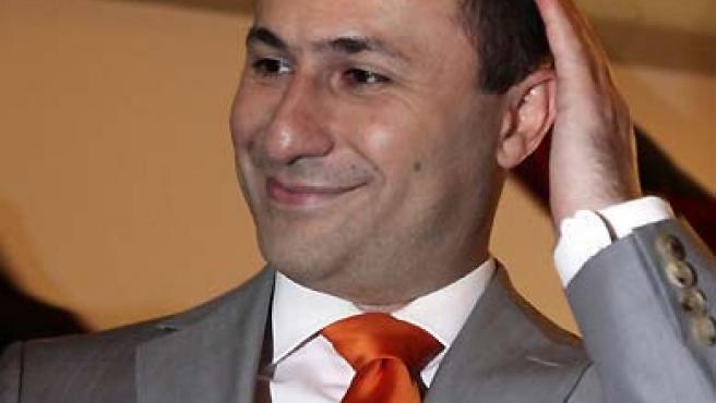 Nikola Gruevski celebra su triunfo electoral en Macedonia, aunque la votación debe repetirse en varias zonas del país. (Hazir Reka / Reuters).