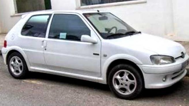Un Peugeot 106 blanco como el que ha convertido en eléctrico un ingeniero electrónico de Gaza. (ARCHIVO)