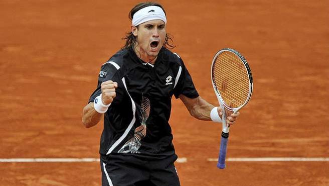 David Ferrer celebra su victoria en Roland Garros. (Efe)