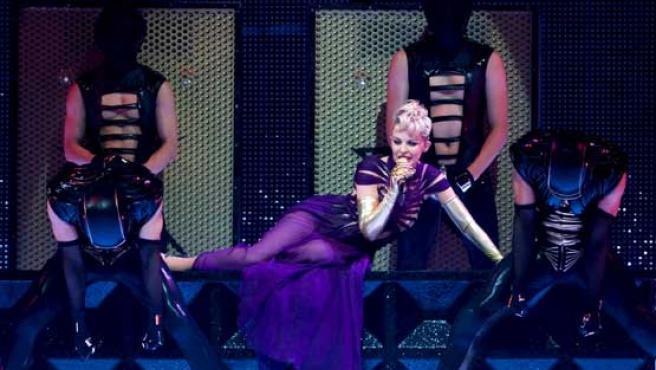 Kylie Minogue durante su último concierto en París.