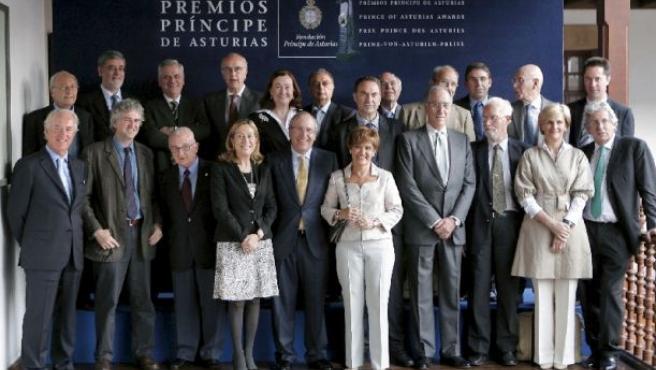 El jurado del Príncipe de Asturias de Investigación, hoy en Oviedo.