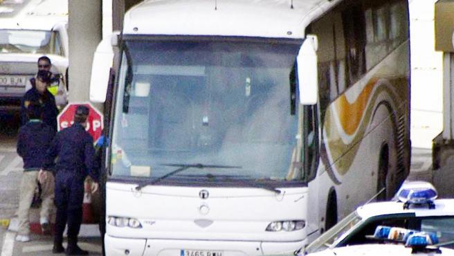 El detenido condujo durante horas el autobús por El Ejido.