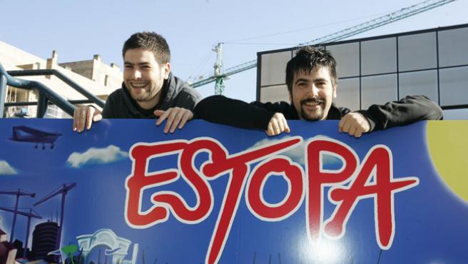David y José Muñoz, Estopa, en una foto de archivo. (J.PARÍS)