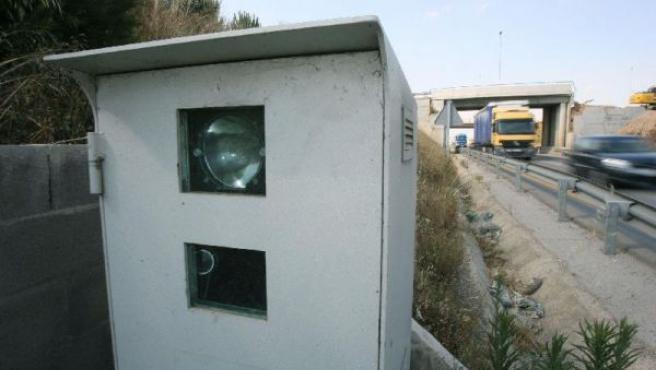 Un radar de carretera. (JAUME SELLART/EFE)