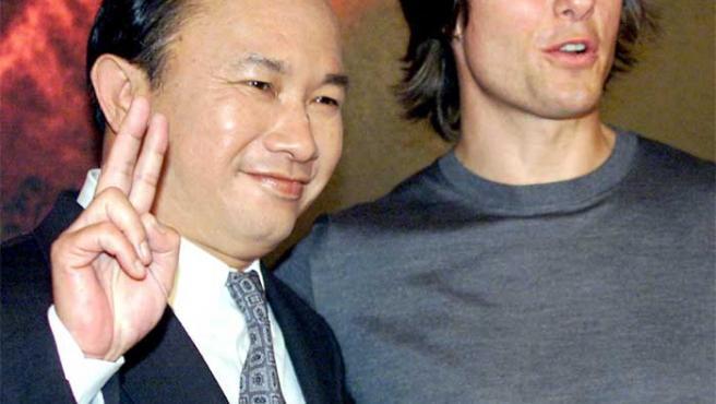 John Woo y Tom Cruise, en el estreno de 'Misión Imposible II'.