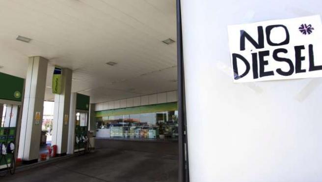 El responsable de las gasolineras de la provincia lamenta que apenas haya servicios mínimos. EFE/A.C
