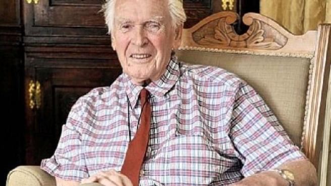 Teddy Bacon recuperó su reloj cuando ya lo daba por perdido. (Foto: Bruce Adams / Daily Mail)