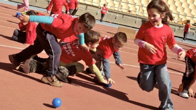 Escolares en el recreo(ARCHIVO)
