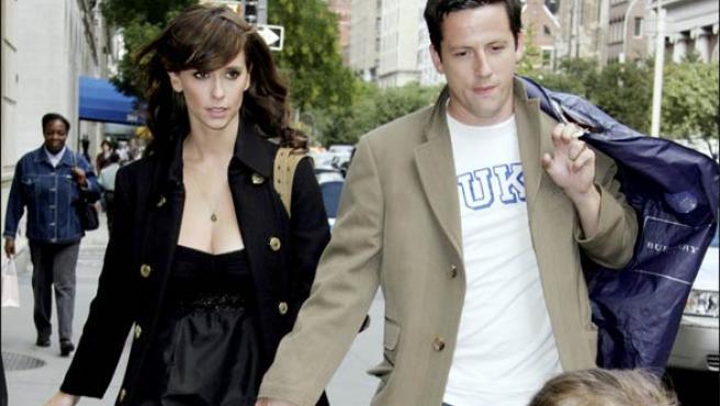 Jennifer Love Hewitt y Ross McCall en una imagen de archivo (Foto: KORPA).