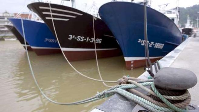 Barcos amarrados en el puerto guipuzcoano de Orio. (EFE)