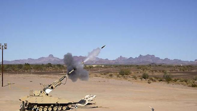 Vista de un cañón obús modelo XM1203 NLOS, prototipo de uno de los futuros vehículos de combate del Ejército de Estados Unidos. (EFE).