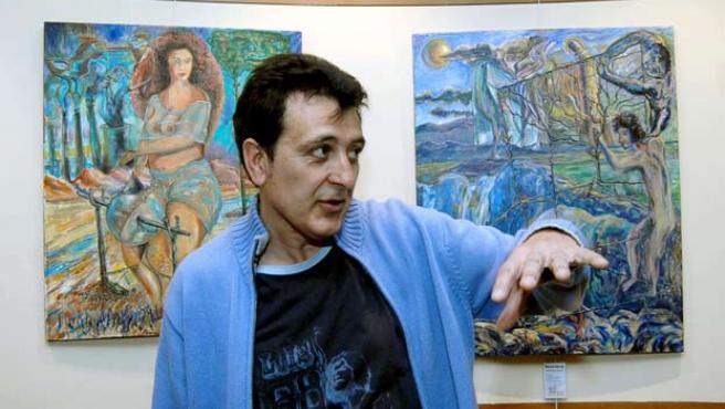 Manolo García presenta sus cuadros en la sede de la Asociación de Estudiantes Segovianos Horizonte Cultural.