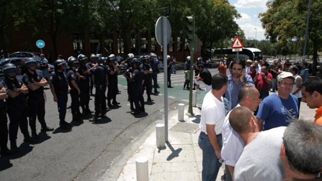 La protesta de ayer en Sevilla acabó con enfrentamientos violentos y varios detenidos. 20MINUTOS.ES SEVILLA