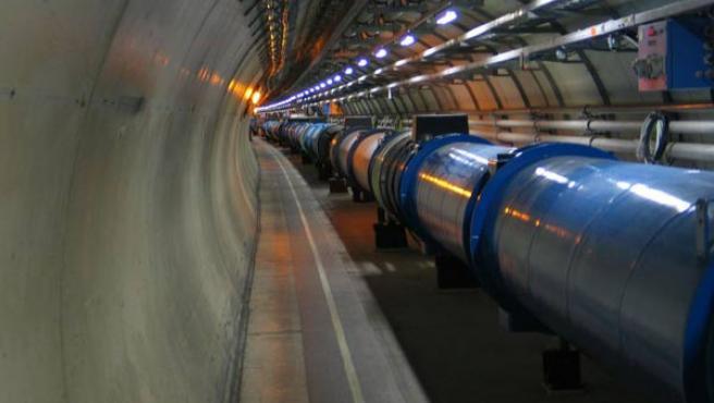 Interior del acelerador de partículas del CERN